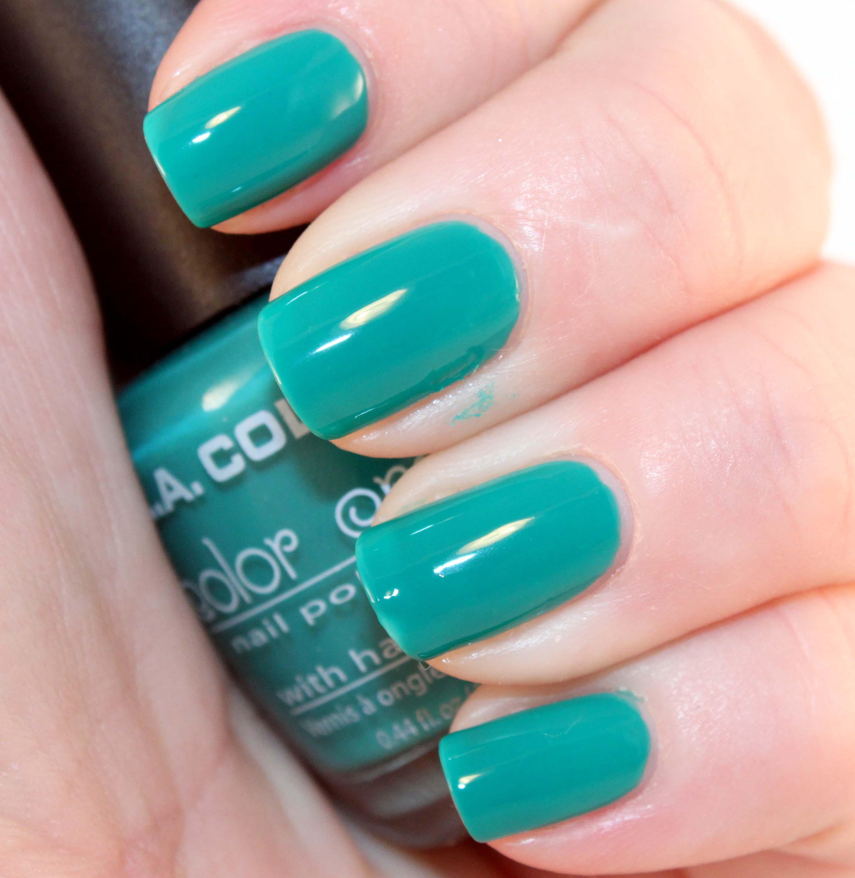 La Looks Nail Polish: It's Nail Polish, At The Moment